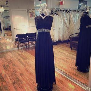 Dresses & Skirts - Long formal dress